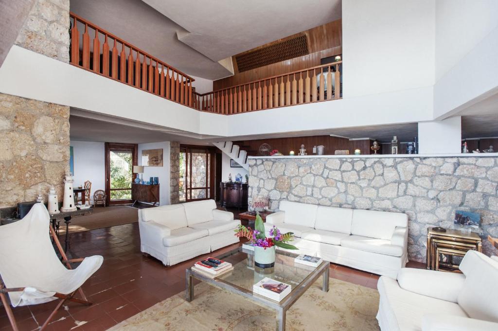 The lobby or reception area at villa punta rossa