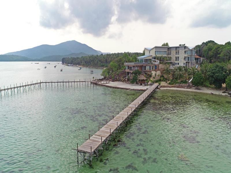 Hotel D Season Boutique Karimunjawa Indonesia Booking Com