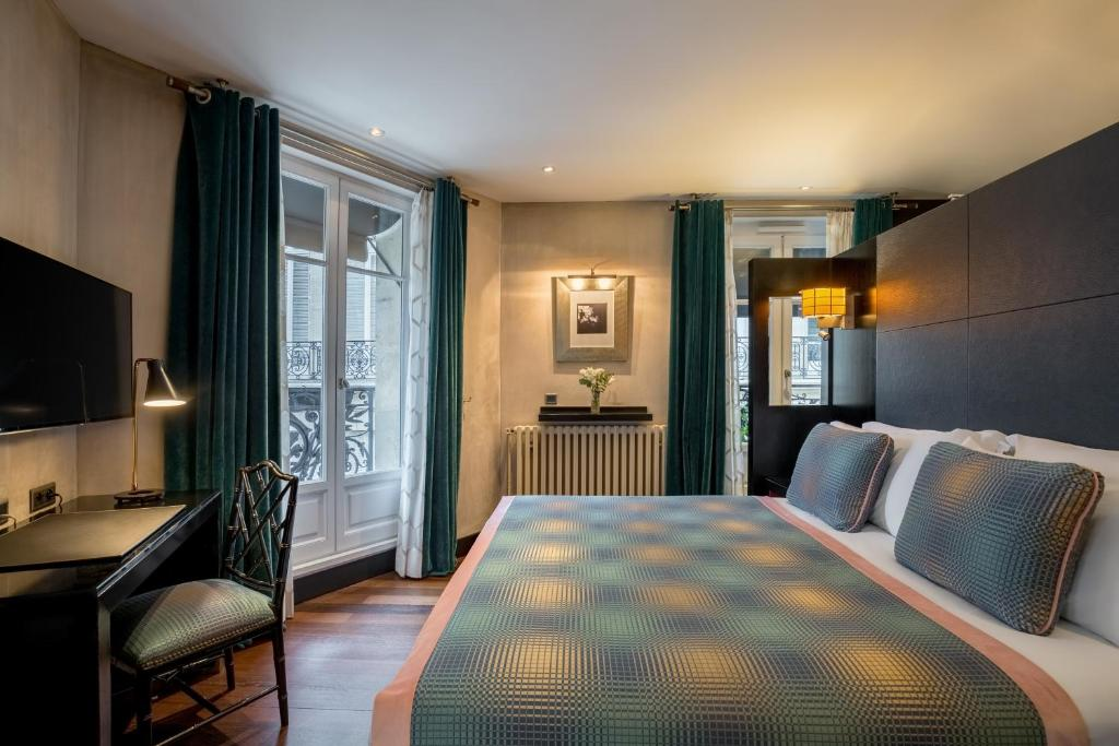Hotel Room Mate Alain Champs Elysees Frankreich Paris Booking Com