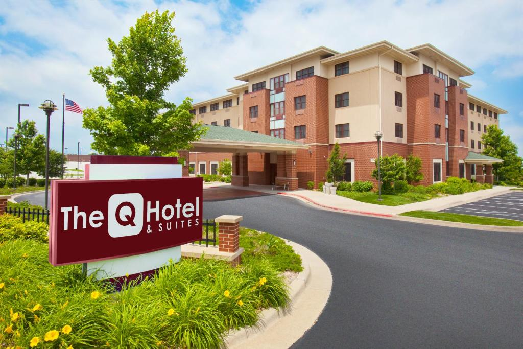 The Q Hotel & Suites, Springfield, MO - Booking com