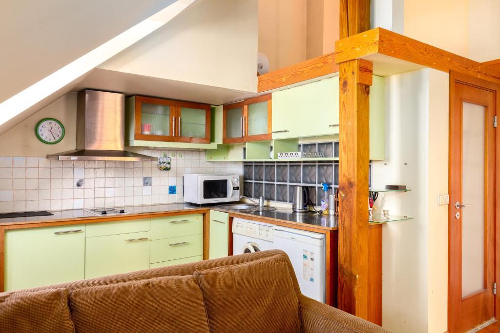 Virtuve vai virtuves aprīkojums naktsmītnē Designapartments