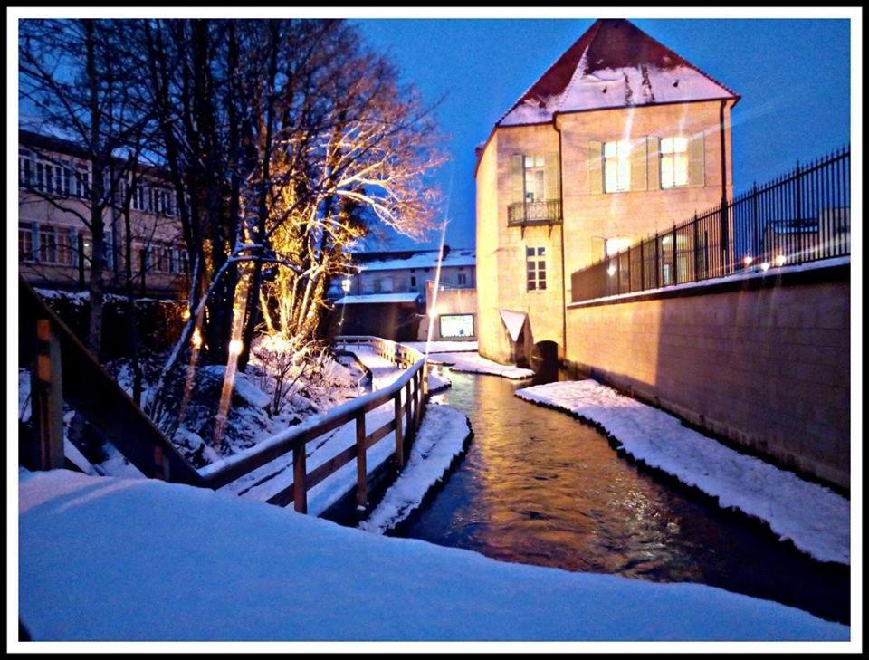Chambre dans Grande maison au Coeur de Ville during the winter