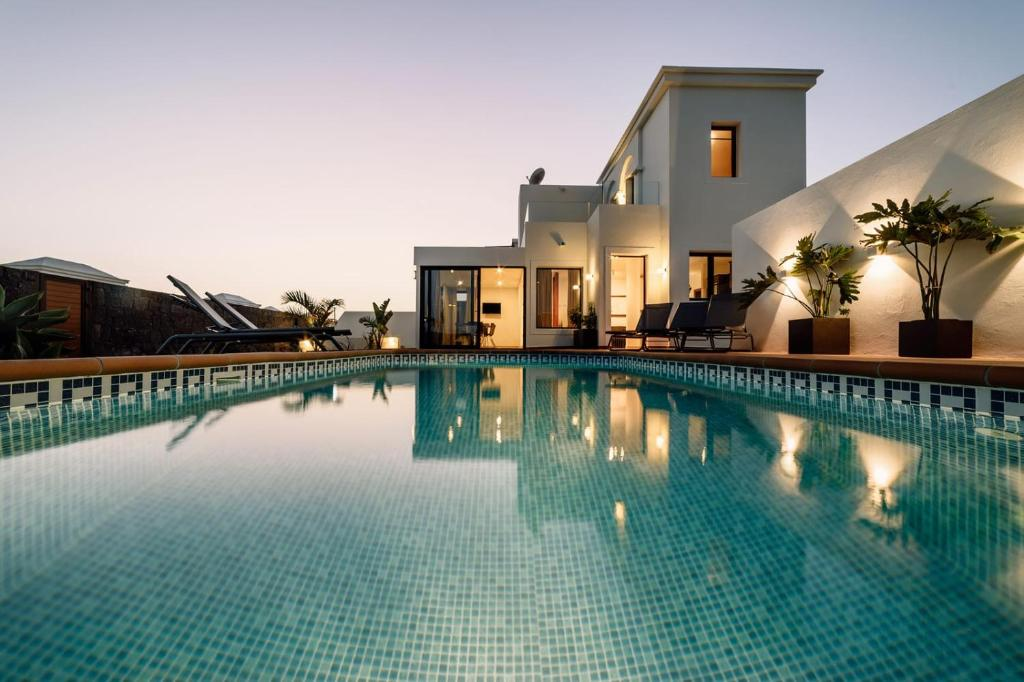 Villa Faro (Spanje Playa Blanca) - Booking.com