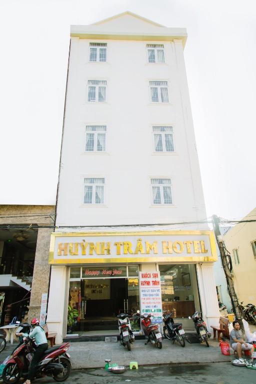 Khách sạn Huỳnh Trâm