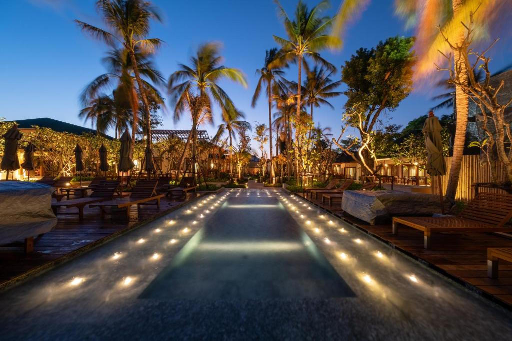The swimming pool at or near Banana Fan Sea Resort