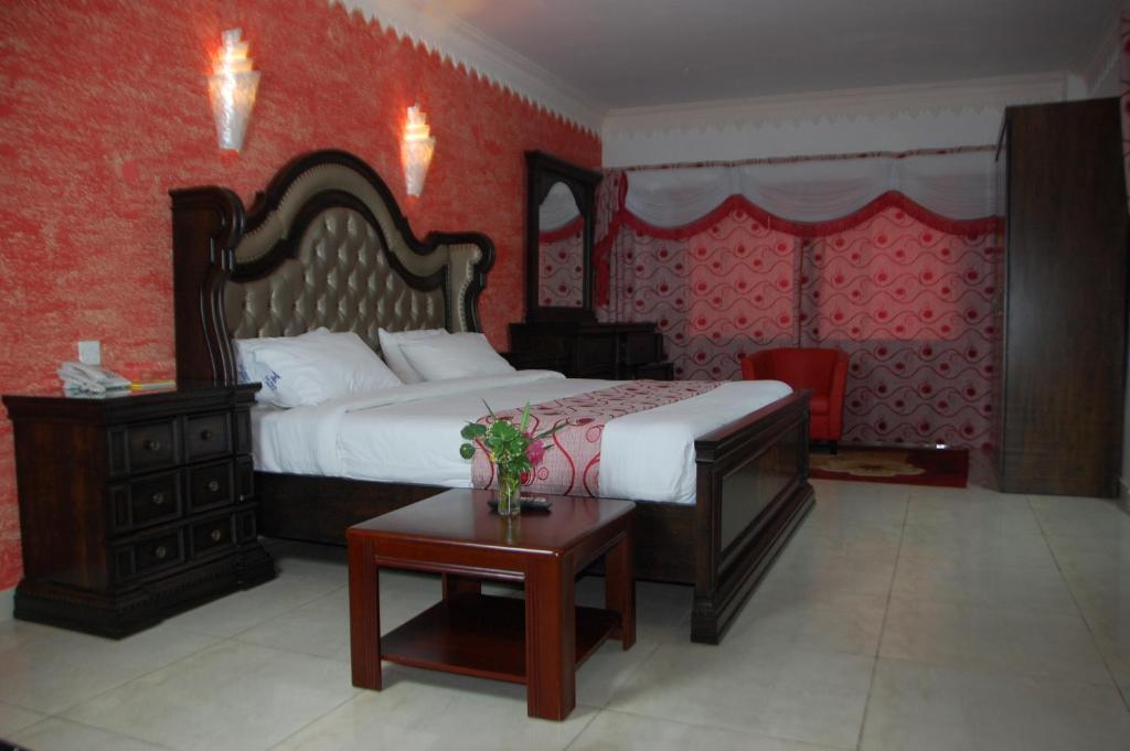 Sai Rock Beach Hotel & Spa, Bamburi, Kenya - Booking com