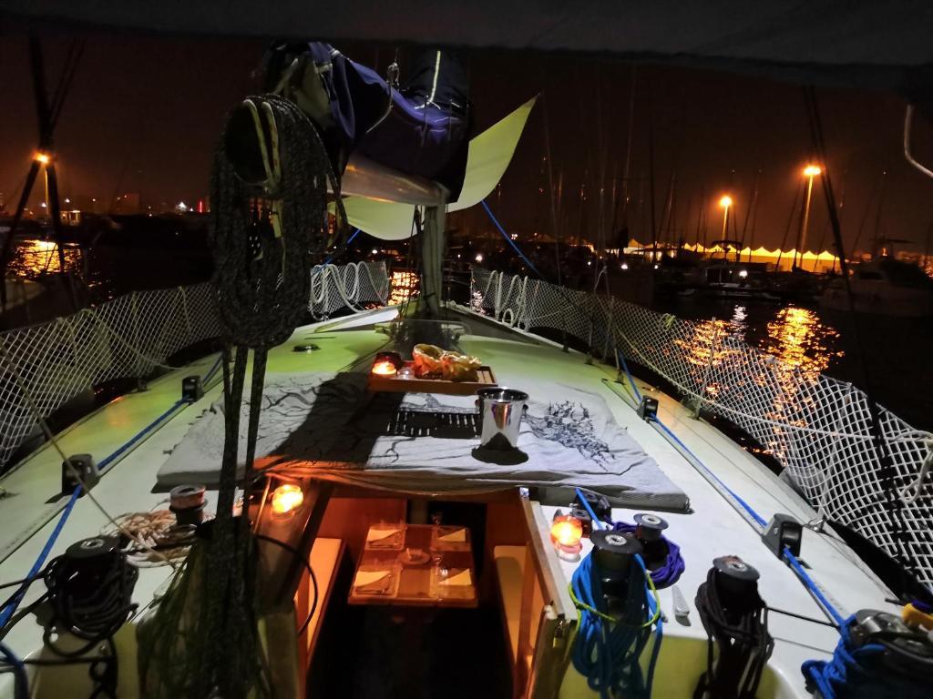 Boat Sleep Ehoa Formula All Inclusive Italien Bari Booking Com
