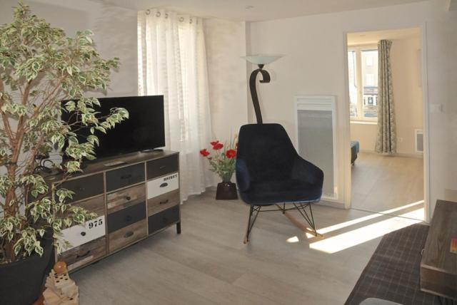 Apartments In Villefranche-saint-phal Burgundy