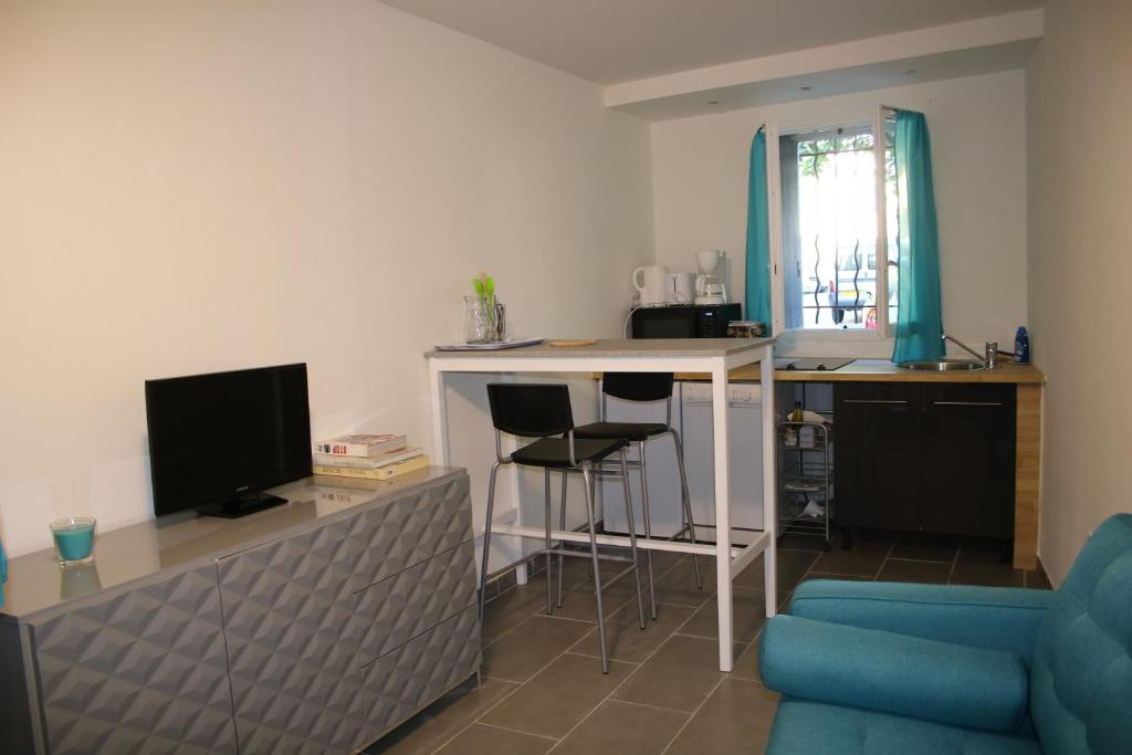 Stilig Apartment Cosy Corner, L'Isle-sur-la-Sorgue, France - Booking.com XC-61