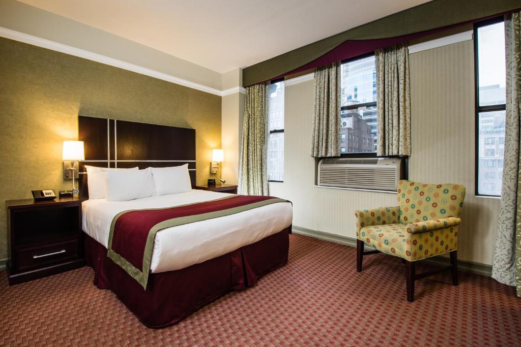 Cama o camas de una habitación en The Hotel at Times Square