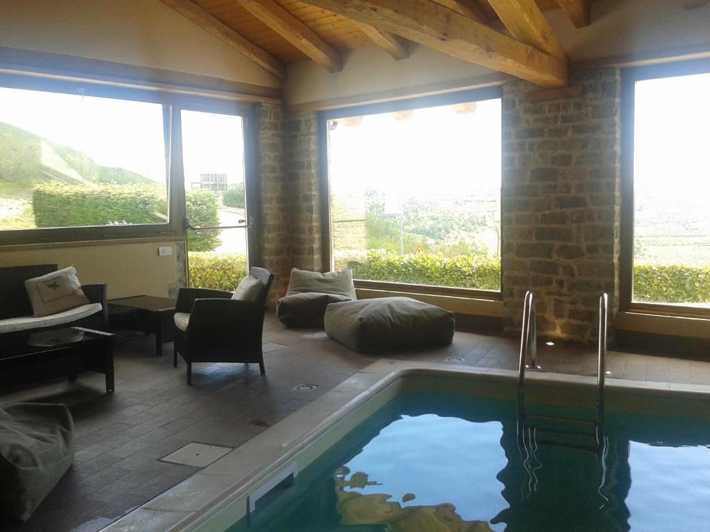 Country House Trattoria Del Bivio, Cerretto Langhe, Italy - Booking.com