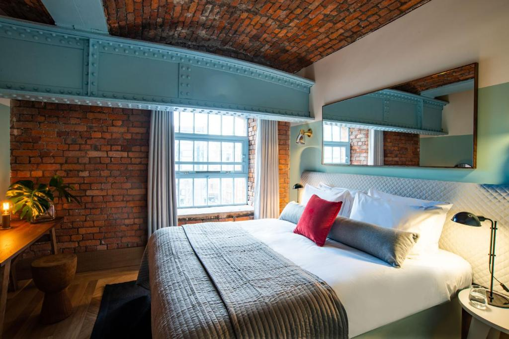 A bed or beds in a room at Native Manchester