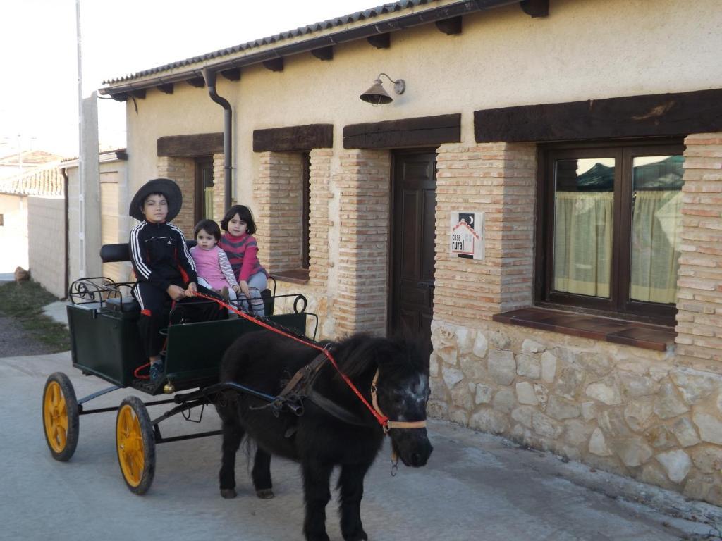 CASA RURAL LA CASA DE LOS POLLOS, Turrubuelo – Updated 2019 ...