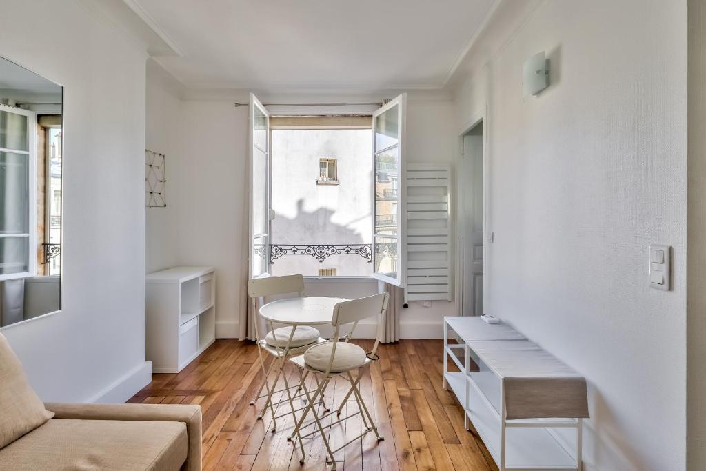 Apartment Nice Studio Near The Eiffel Tower Paris France Booking Com