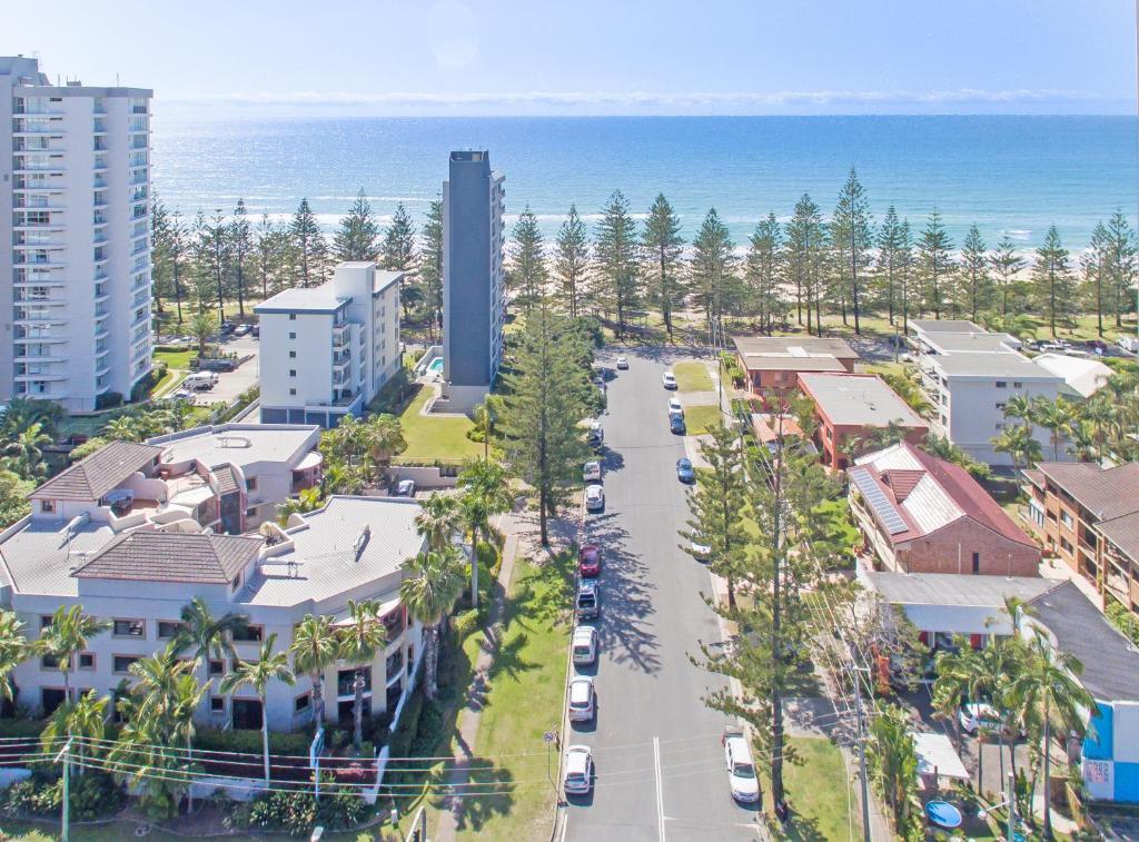 Condo Hotel Burleigh on the Beach, Gold Coast, Australia - Booking com