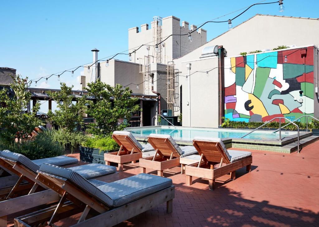 Piscina di Ace Hotel New Orleans o nelle vicinanze