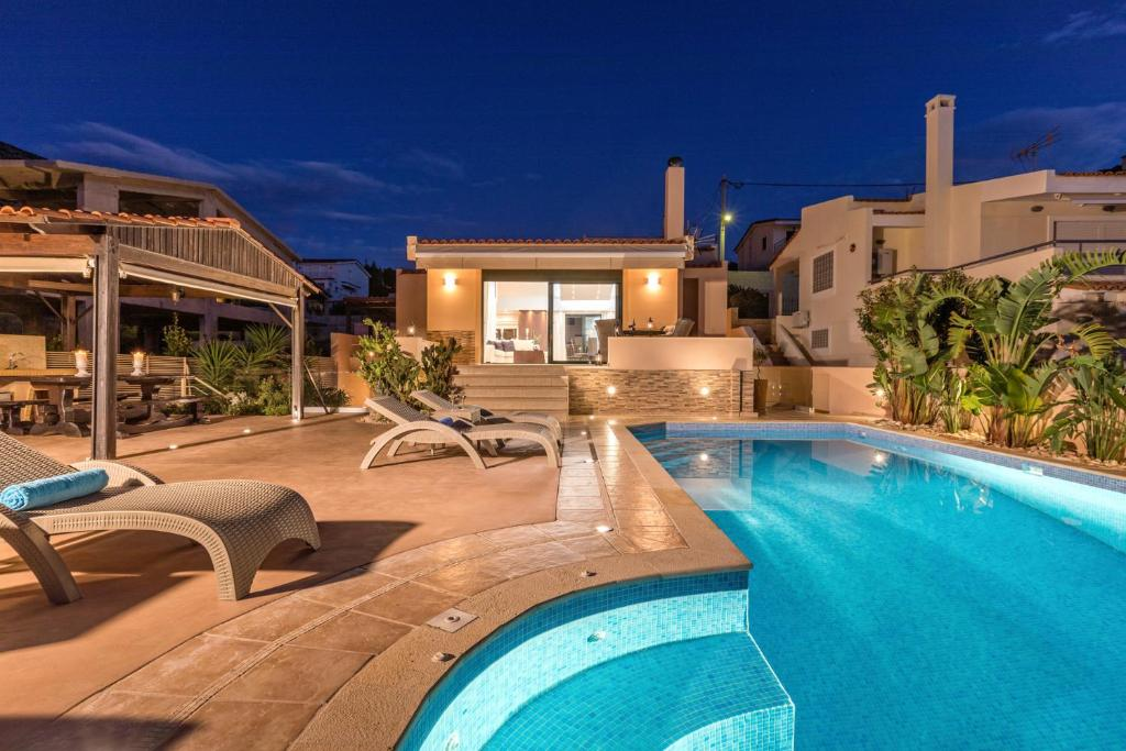 Luxurious Villa Solaris, 50 Meters From The Beach, Sounion ...