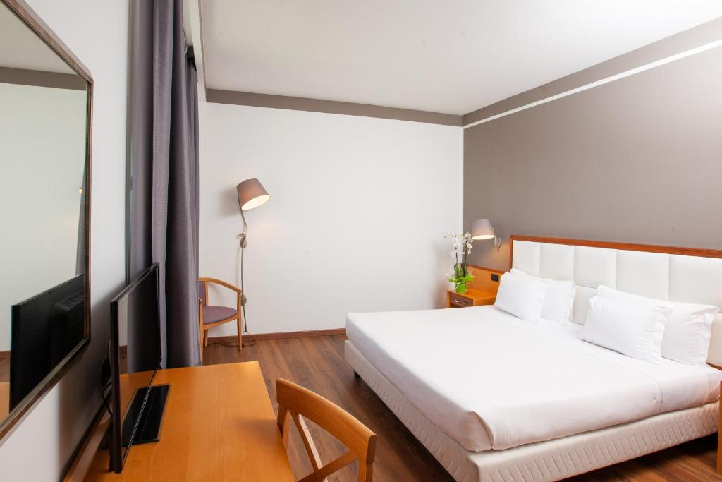 Sala Fumatori Malpensa : Shg grand hotel milano malpensa somma lombardo u prezzi