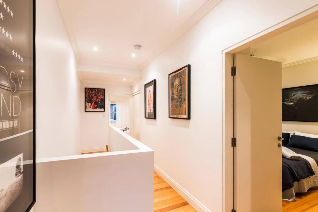 Stylish 3 Bedroom Pool House in Surry Hills, Sydney