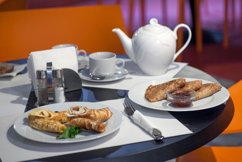 Завтрак для гостей Авторский отель Бронзовый Кабан Воронеж Центр