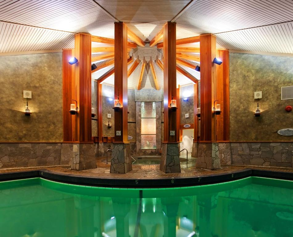 Harrison Hot Springs Resort >> Resort Harrison Hot Springs Canada Booking Com