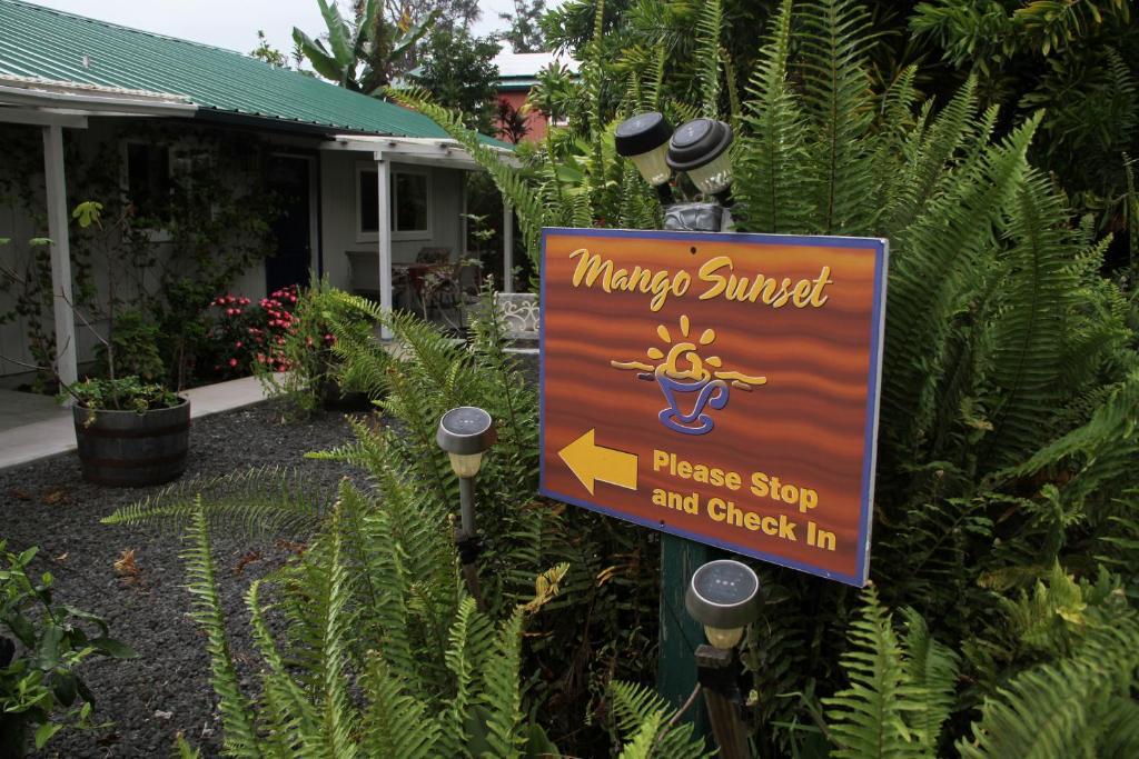 Bed and Breakfast Mango Sunset Kona Bed Breakfast, Kailua-Kona, HI Kona Coffee Farms Map on kona hawaii map, kona coffee living history farm, coffee belt map, kona coffee farm rustic, kona coffee region map, kona coast beach map, kona coffee farm hawaii, blackberry farm map, kona coffee tour map, kona waterfall map, kona big island scuba map,