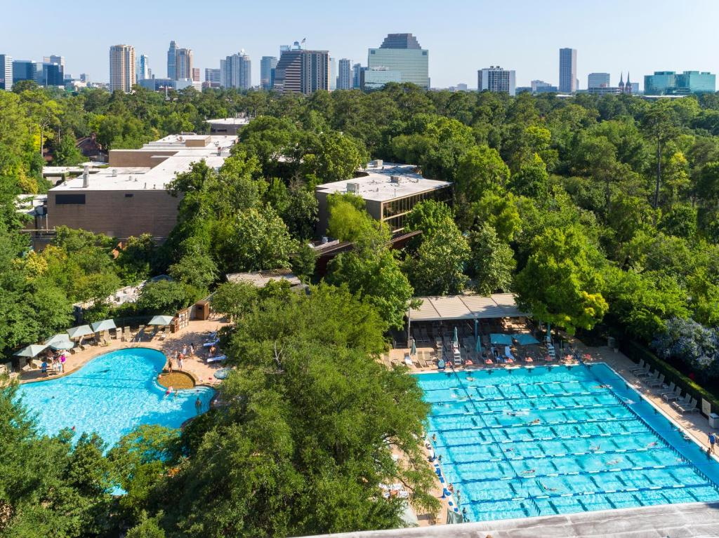 A view of the pool at The Houstonian Hotel, Club & Spa or nearby