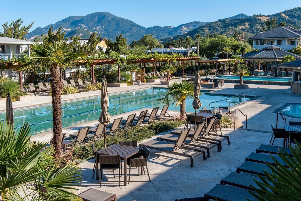 Hotel Rooms In Colorado Springs
