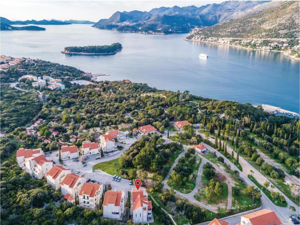 Three-Bedroom Apartment in Dubrovnik, Croatia - Booking.com