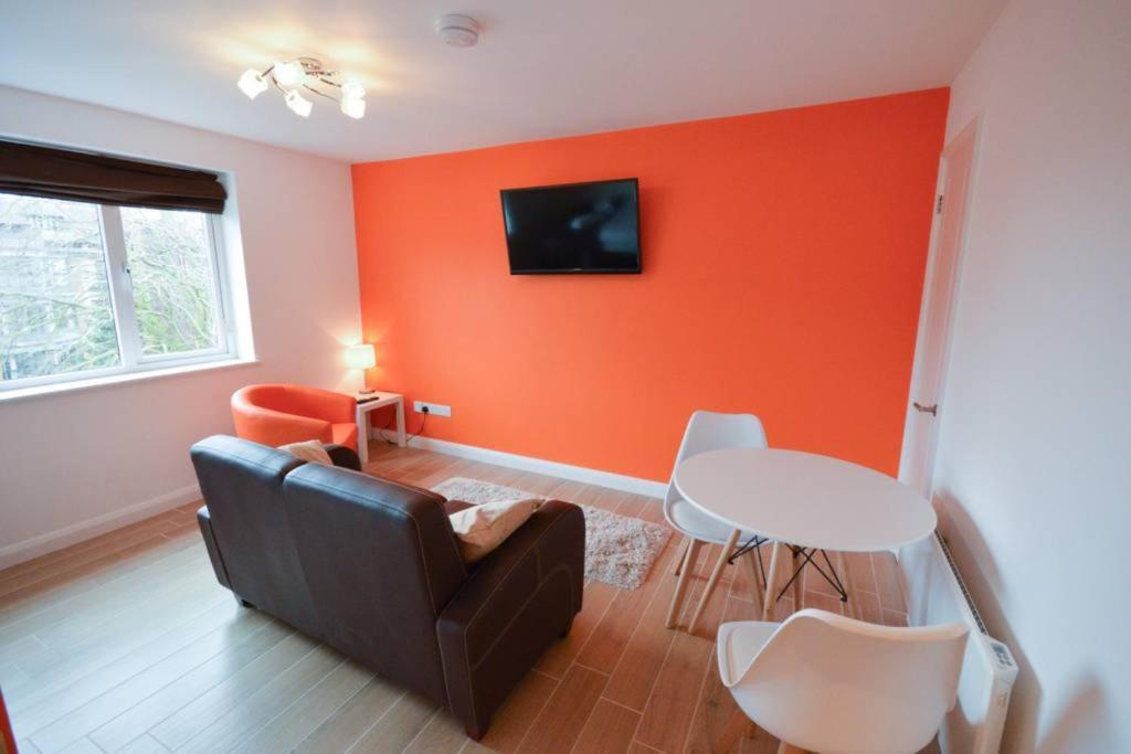 Ein Sitzbereich in der Unterkunft Modern Studio Flat In Clifton