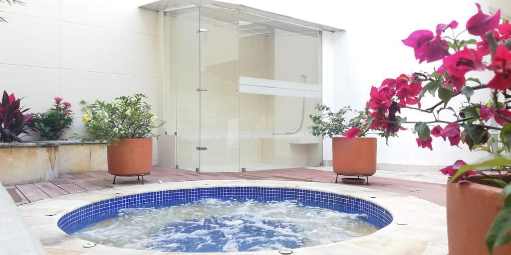 The swimming pool at or near Jardin Del Lago
