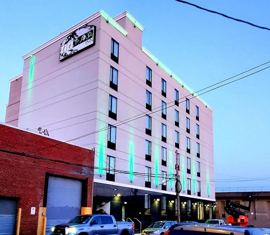 Letap Hotel Near Airtrain Jfk Airpo Queens Ny Bookingcom