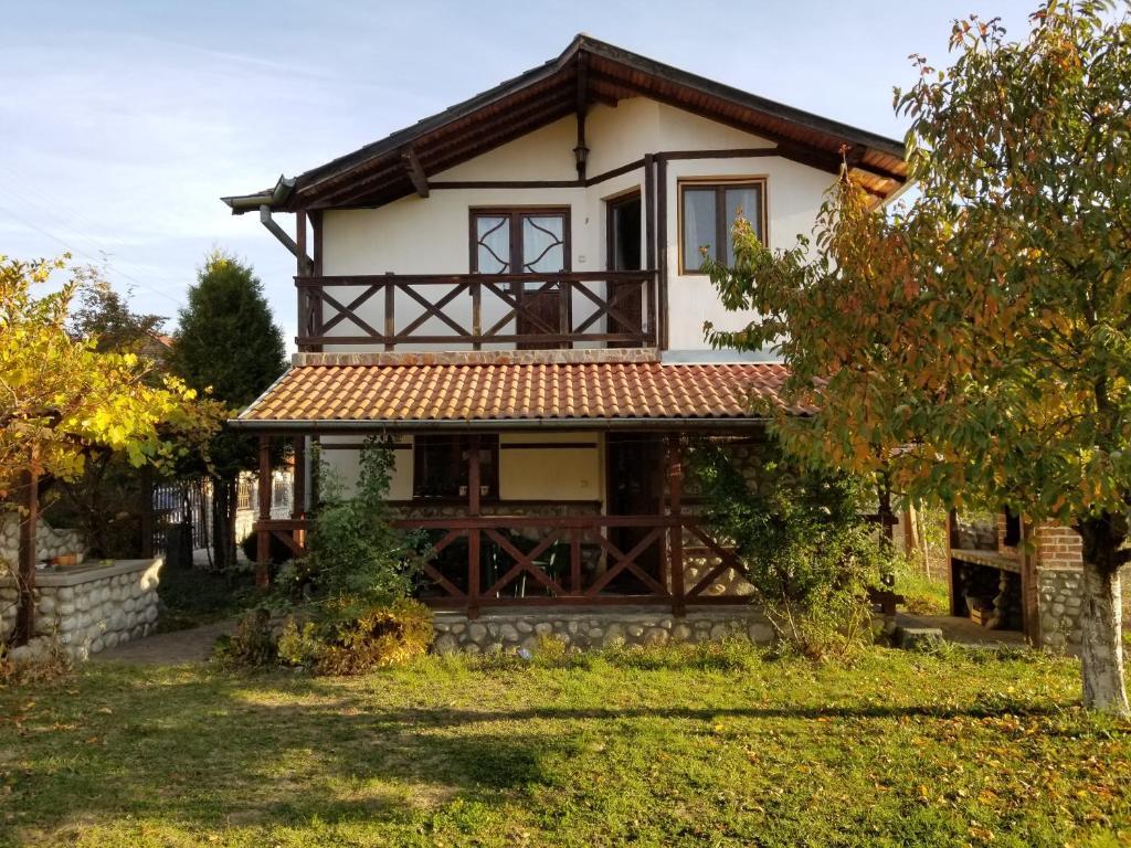 b5451c61cce Къща за гости Градина, Баня – Обновени цени 2019