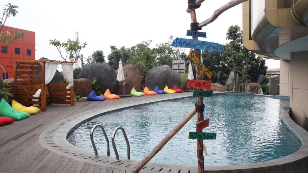 Piscina di Grand Soll Marina Hotel o nelle vicinanze