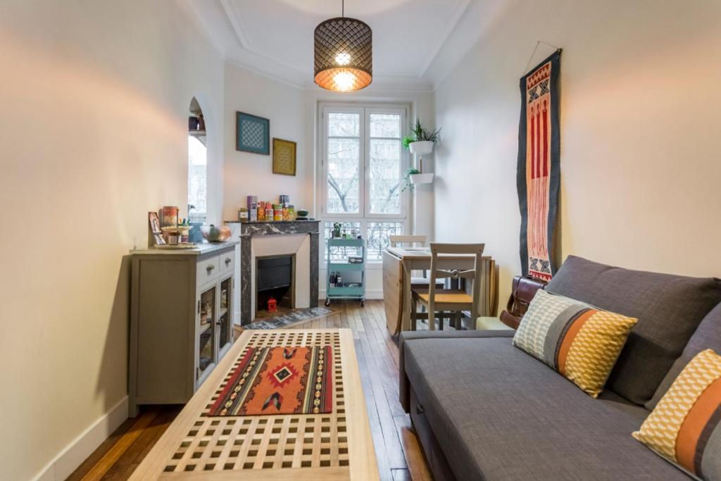 A seating area at Typical Parisian flat near Belleville by easyBNB
