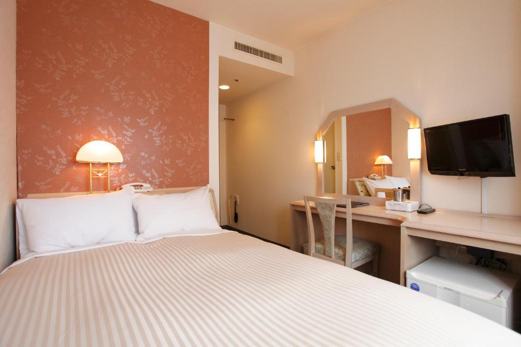 會津若松華盛頓酒店房間的床