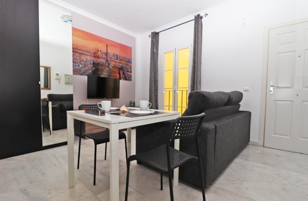 Museo Del Vino.Apartment Del Parque Flats Museo Del Vino Malaga Spain Booking Com