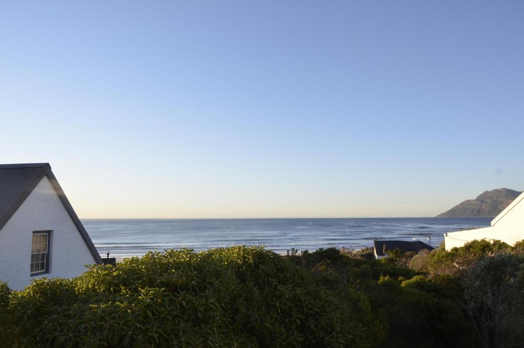 66cb06ef61f Villa Surf House Cape Town- Big family friendly house with stunning ...