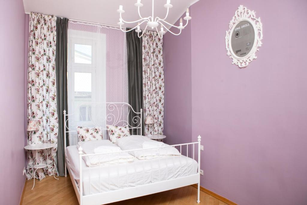 Tempat tidur dalam kamar di Once upon a time in Prague 1