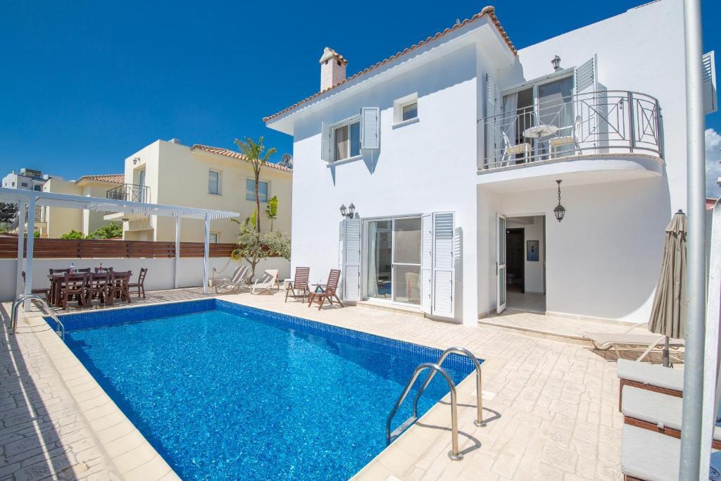 Villa Crystal Lagoon, Protaras, Cyprus - Booking com