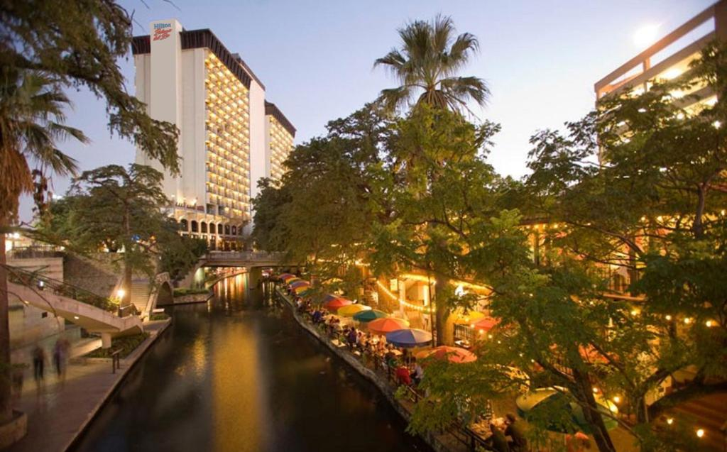 Hotel Hilton Palacio Del Rio San Antonio Tx Booking Com