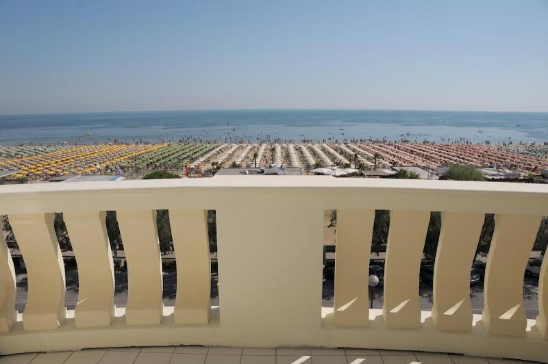 Bagno Conchiglia Cervia : Hotel conchiglia cervia italy booking