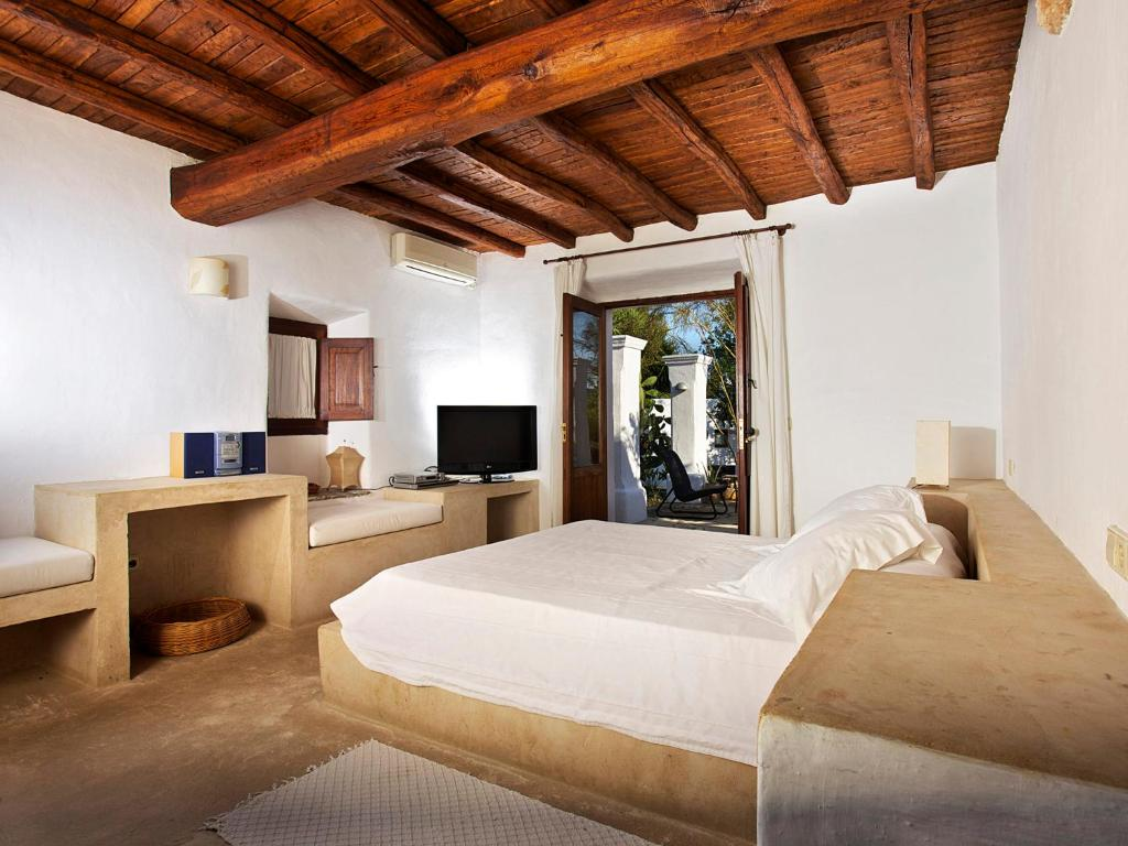 boutique hotels in ibiza  91