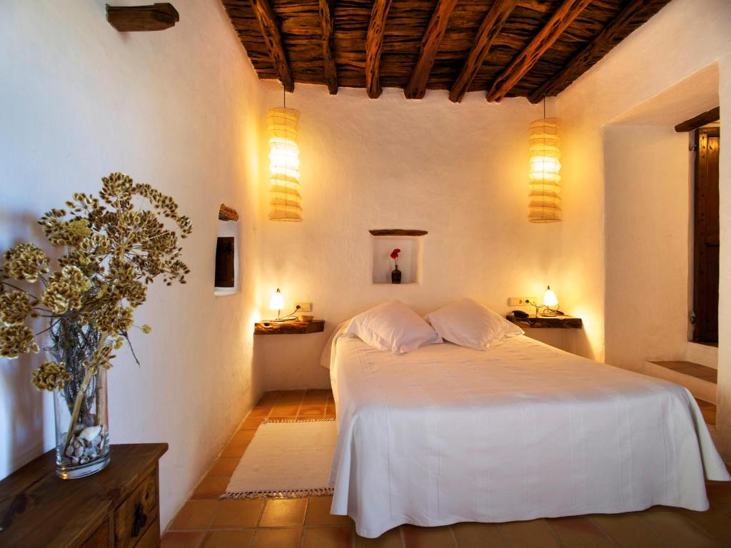 boutique hotels in ibiza  138