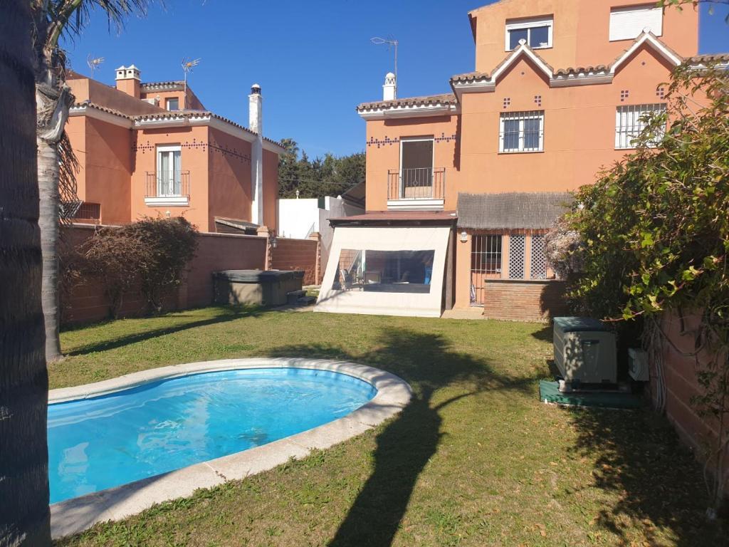 villa forza, Estepona – Precios actualizados 2019