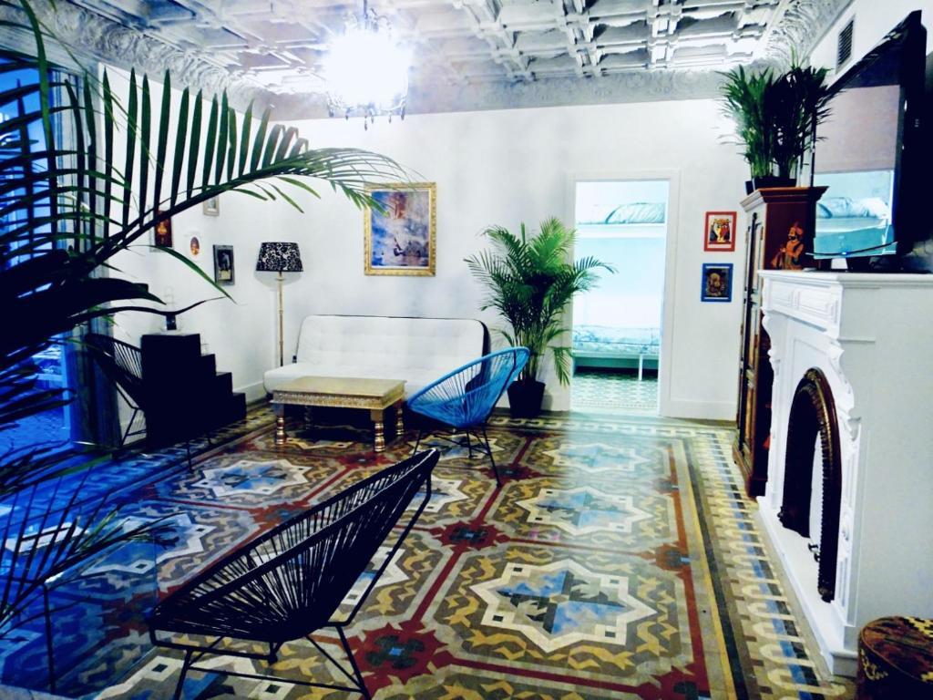 The lobby or reception area at Casa Kessler Barcelona