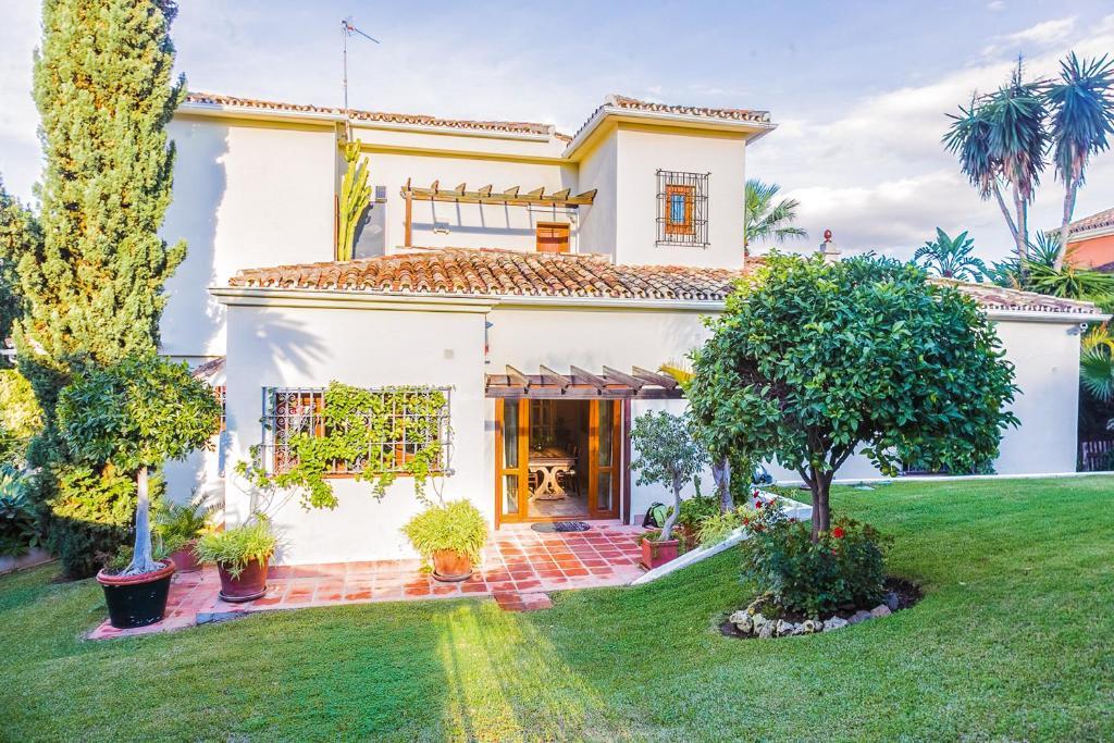 OleHolidays Villa Holy Nueva Andalucía (Spanje Marbella ...