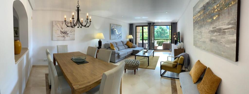 La Casa de los Hoggs, Benahavís – Precios actualizados 2019