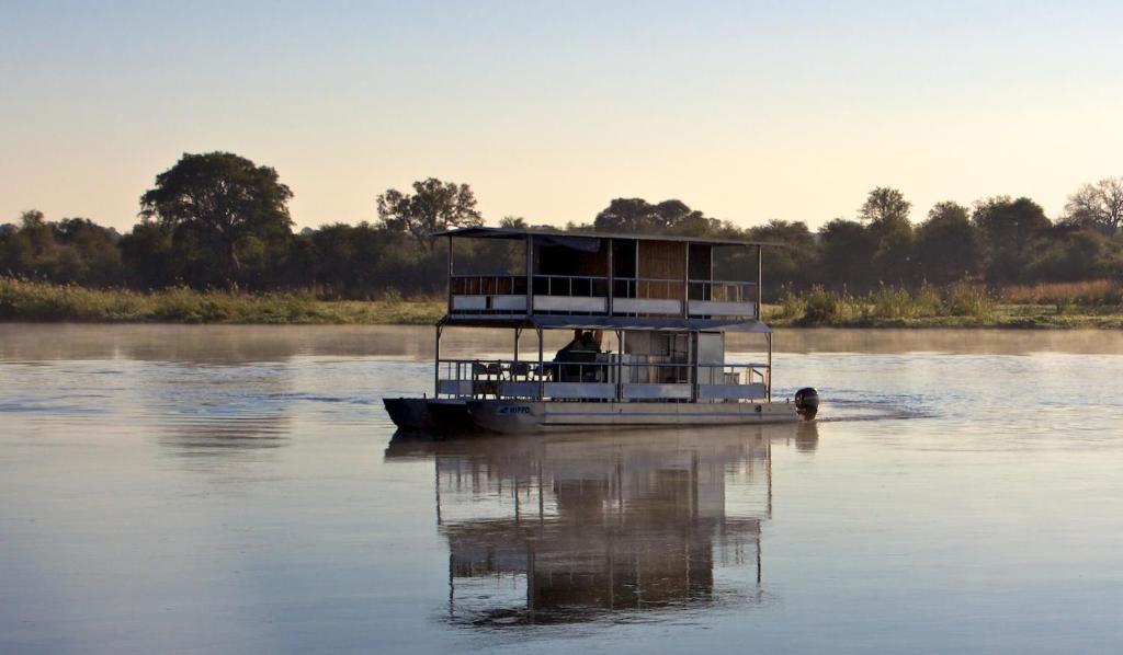 Ndhovu Safari Lodge