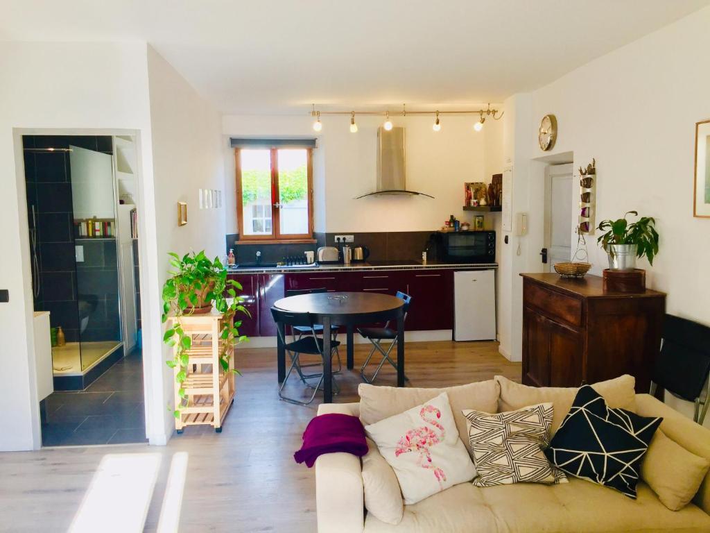 Apartments In Villedaigne Languedoc-roussillon
